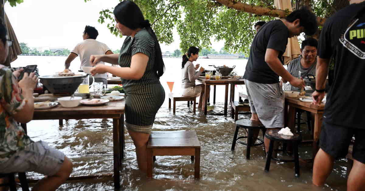 Thai Diners Whet Their Appetites At Flood Cafe